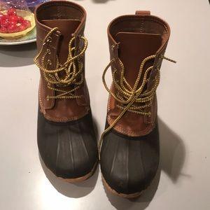 NWOB Clarks Crewson Mens duck boots size 8